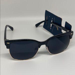 American eagle black sunglasses